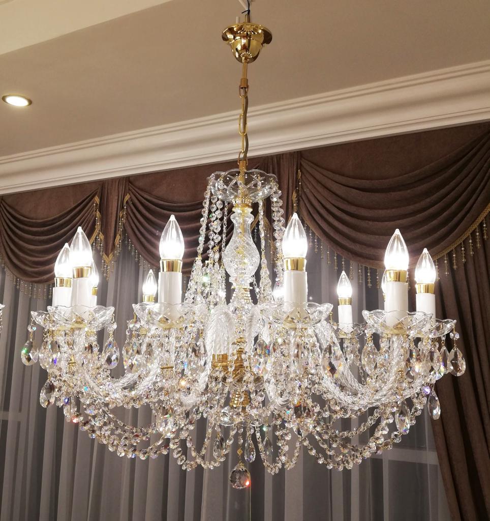 Giá các loại đèn chùm pha lê trang trí hiện đại đẹp tại tphcm