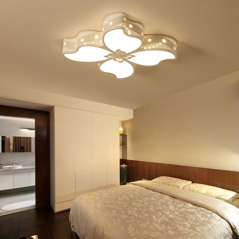 Đèn ốp trần phòng ngủ đẹp giá rẻ tphcm bố trí như thế nào