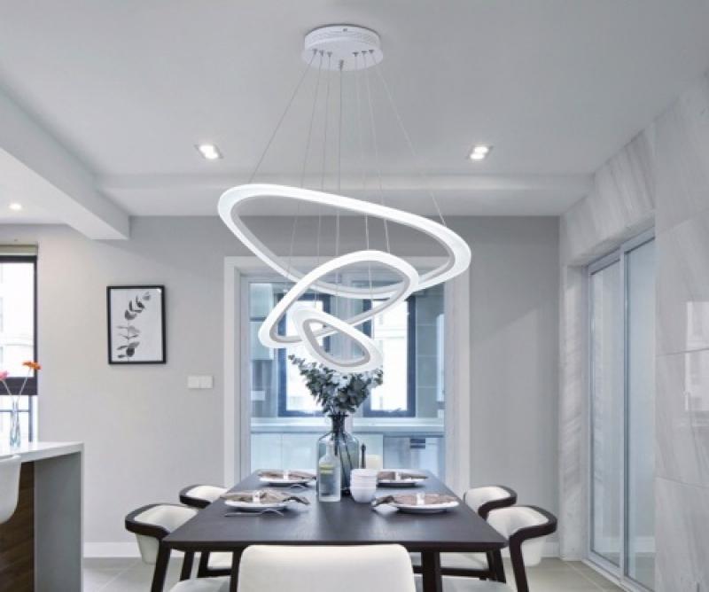 Lý do khiến bạn phải chọn đèn thả trần trang trí cho bàn ăn ngay lập tức