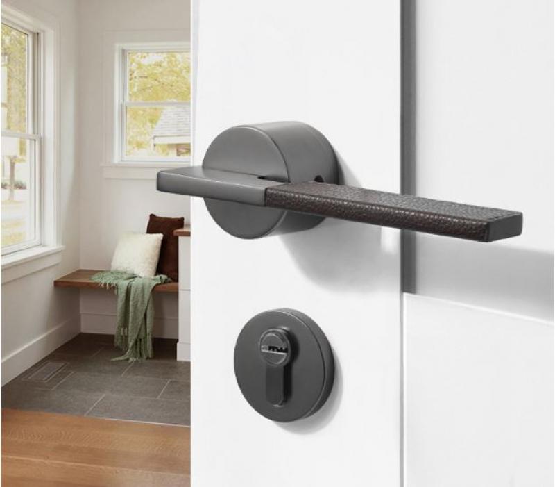 Sử dụng khóa cửa tay gạt có tốt không?