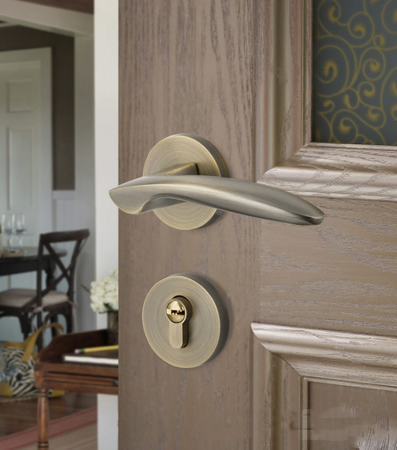 Ổ khóa tay gạt nắm tròn cửa sắt nhôm gỗ nào tốt giá bao nhiêu tphcm?