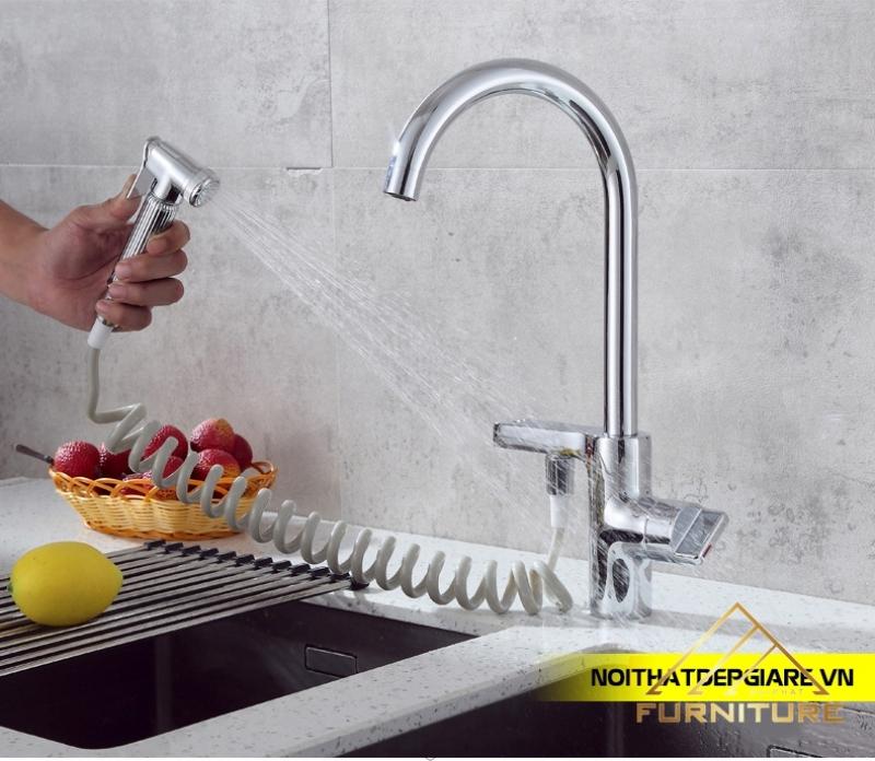 Vòi nước rửa chén nóng lạnh xoay 360 độ kèm vòi xịt 022