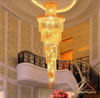 Đèn chùm pha lê xoay dài thông tầng cầu thang cao cấp...