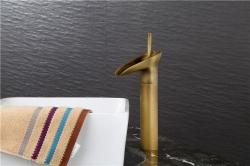 Vòi nước lavabo bằng đồng cổ điển nóng lạnh sang...